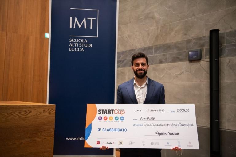 Claudio Puglia collects the award for the project DSQM